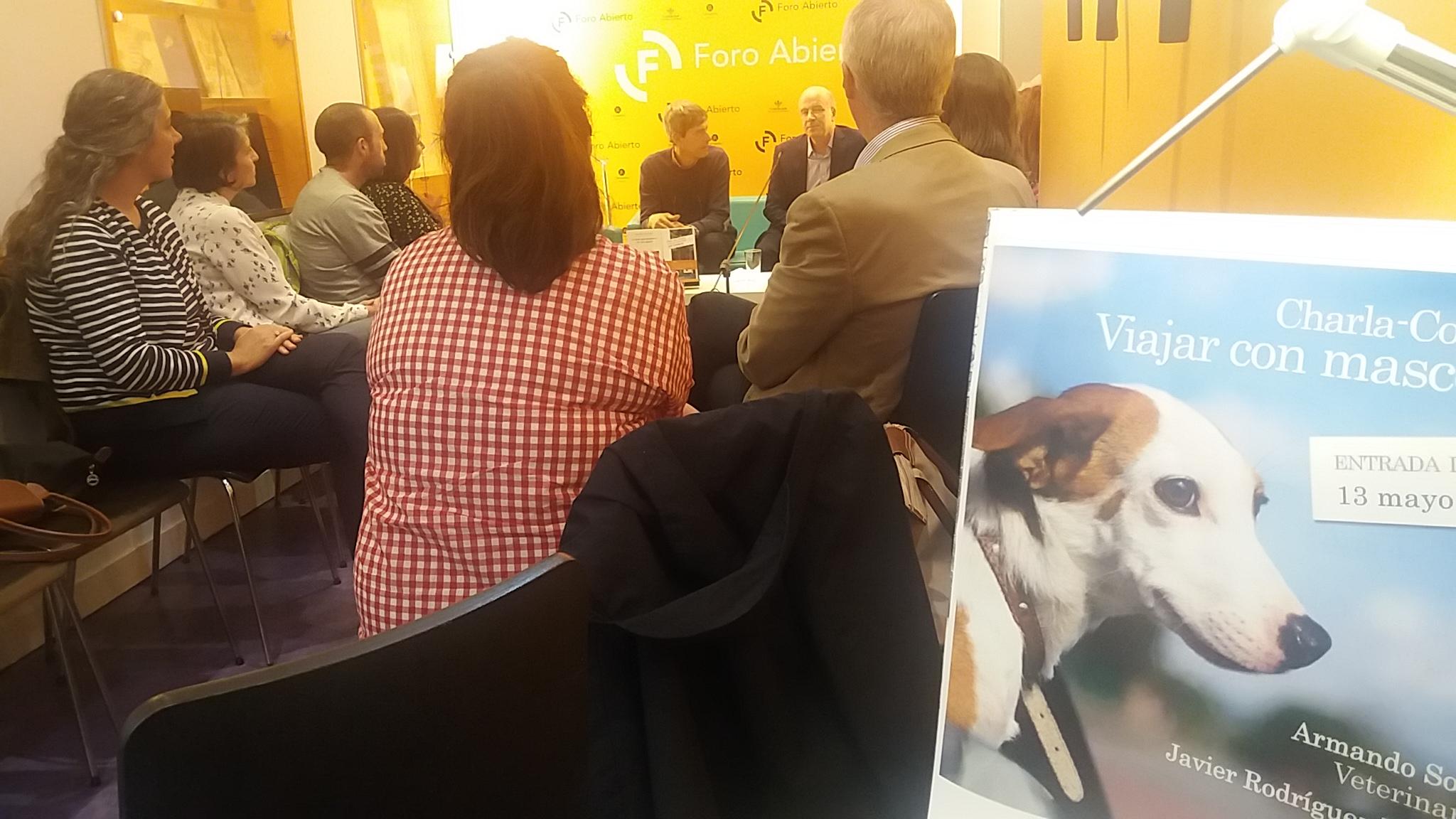 Viajar con mascotas en la librería Cervantes